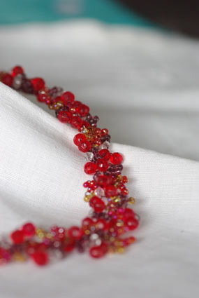 collier rouge trifil (detail)